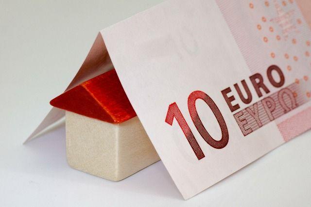 En el despacho  YVANCOS & ABOGADOS somos especialistas en derecho bancario y podemos ayudarle a recuperar todos aquellos gastos relativos a la formalización de  su préstamo o hipoteca.