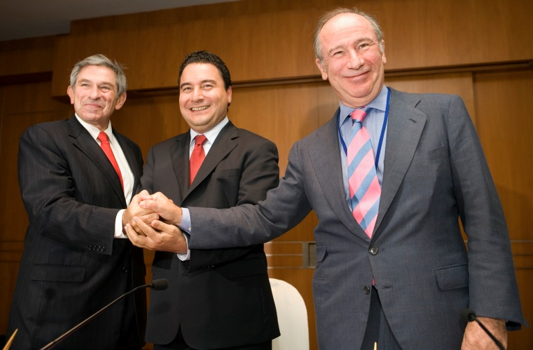 El Tribunal Supremo ratifica la condena a Rato por la tarjetas Black de Bankia