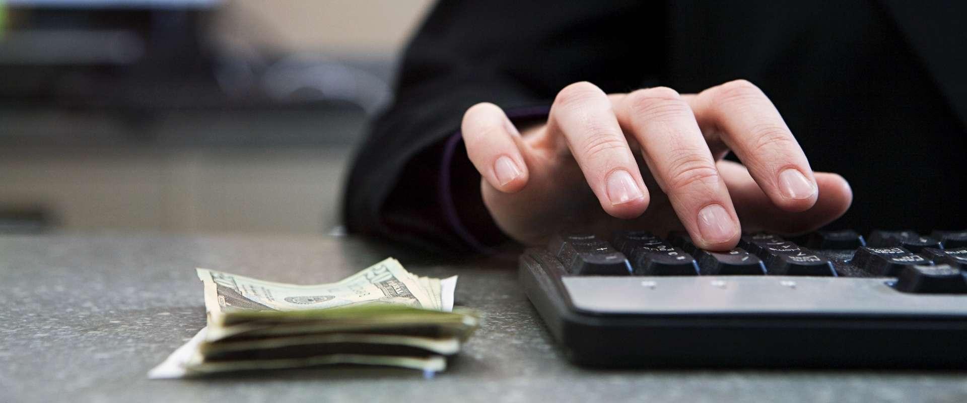 Los supervisores investigan a cuatro bancos por posibles abusos con los avales del ICO